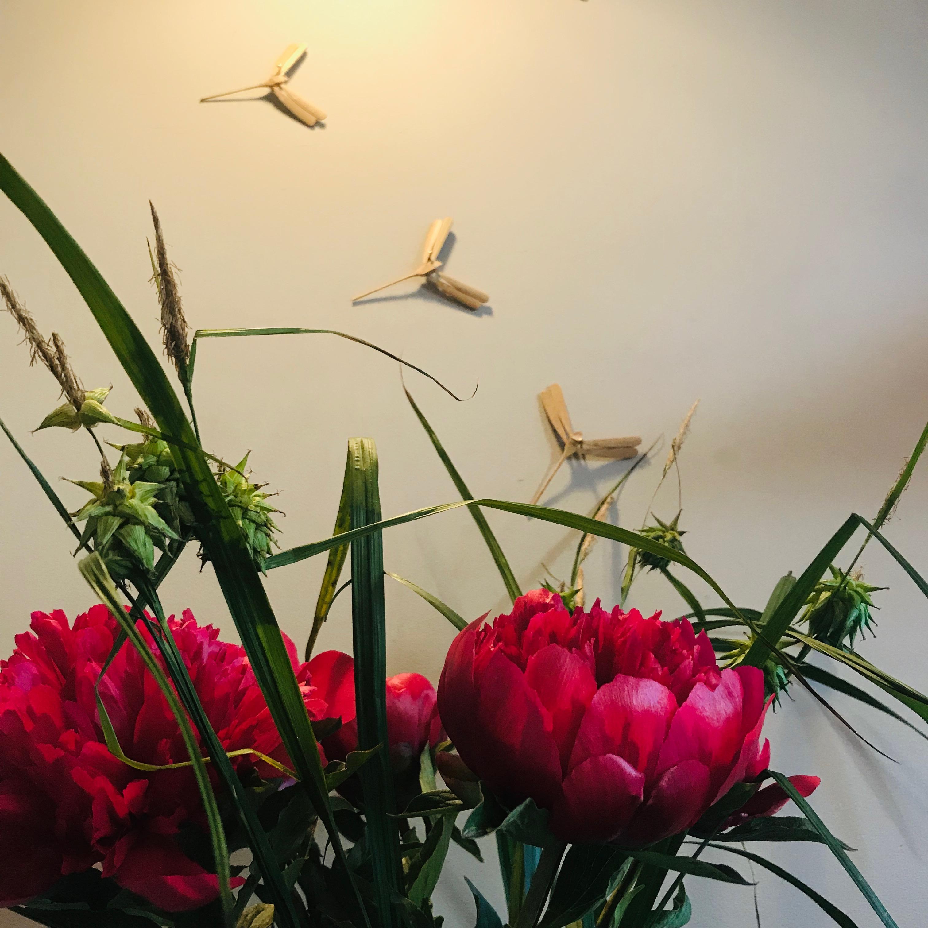 libelles en bloemen